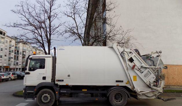 Čistoća pomiče odvoz otpada zbog praznika - odvoz dan kasnije, u četvrtak ne rade ni reciklažna dvorišta