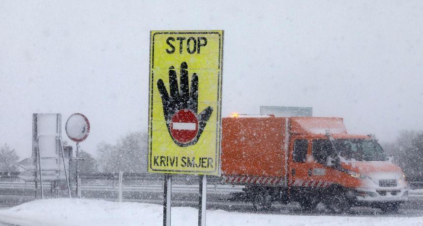 Tko ide prema Dalmaciji, neka pazi na HAK-ova upozorenja: Evo koji dijelovi autocesta su zatvoreni za promet