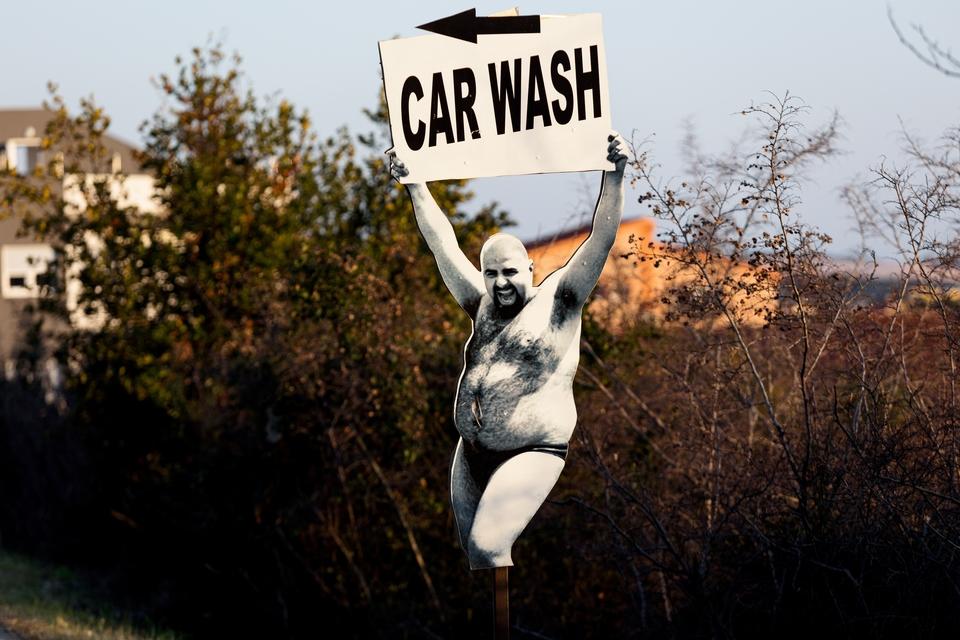 Uvijek nas nasmije: O ovom znaku za autopraonicu u Zadru svi pričaju, a tamo stoji već godinama