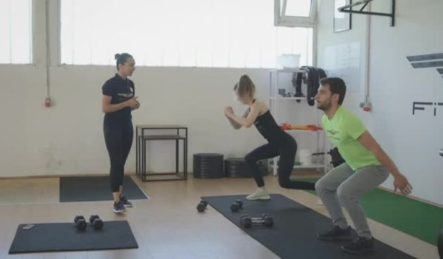 STAY AT HOME trening kod kuće s Ivanom Posavec iz Fitness Studio FitLife (thumbnail)