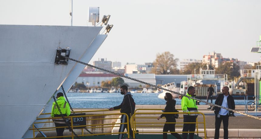U morskim lukama najmanje putnika u zadnjih deset godina: 'Covid-19 izravno utjecao na pad prometa'