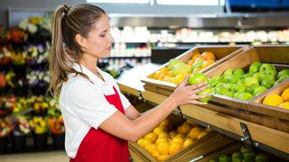 Prodavačica, trgovkinja, žena u trgovini, radnica, trgovina, voće