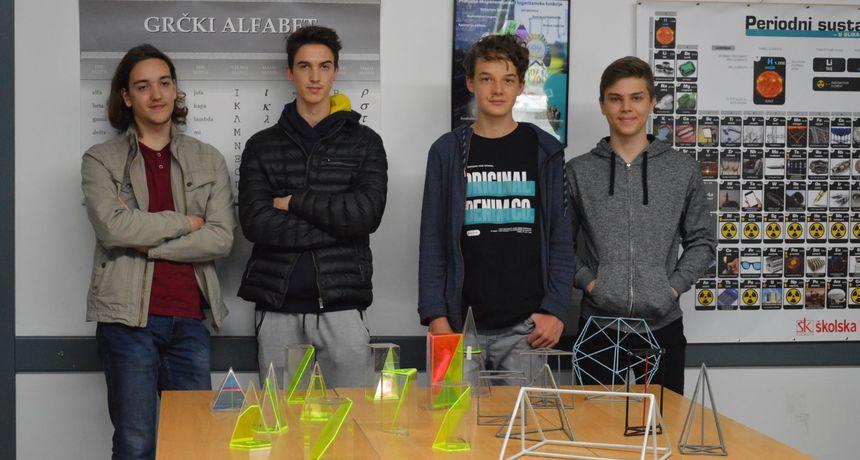 SJAJNI MATEMATIČARI Jakov, Vito, Marko i Lovro iz Tehničke škole Čakovec idu na državno