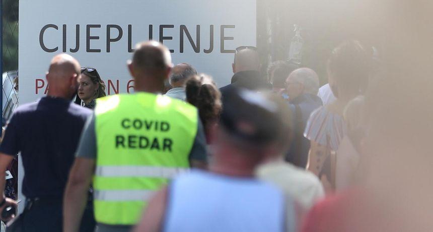 Cijepljenje na Velesajmu: Tko je 'visoki, bahati tip' u majici 'International police association' koji 'viče na ljude'?