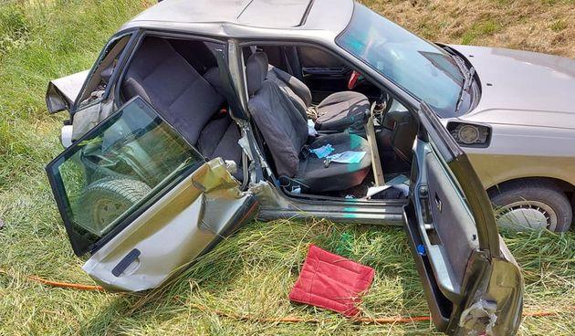 TEŠKA NESREĆA Sudar dva automobila na autocesti kod Brezničkog Huma, vatrogasci izvadili ozlijeđenu osobu iz auta