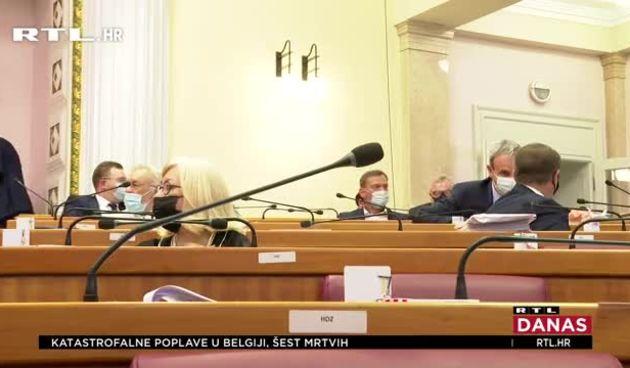 Saborski zastupnici na duljoj stanci od školaraca! (thumbnail)