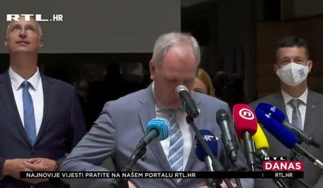 Puljak preuzeo upravljenje Splitom, bivši čelnik grada mu poručio: 'Za naš grad potrebno je gorjeti, ali ne izgorjeti' (thumbnail)
