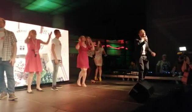 Veselje u stožeru koalicije Možemo! Tomašević se primio mikrofona i zapjevao (thumbnail)