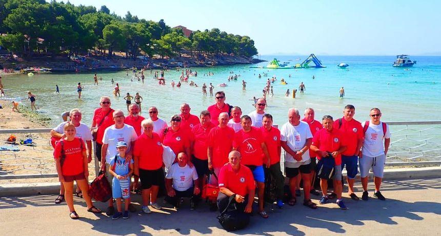 Gradsko društvo Crvenog križa Slunj organiziralo izlet na Murter za darivatelje krvi