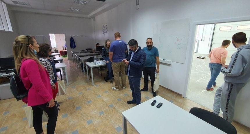 Grad Slunj u pripremi projekta Razvojnog centra - budućeg središta informacijske tehnologije i umjetne inteligencije - za početak provjerili kako to rade u Gradu Lipiku