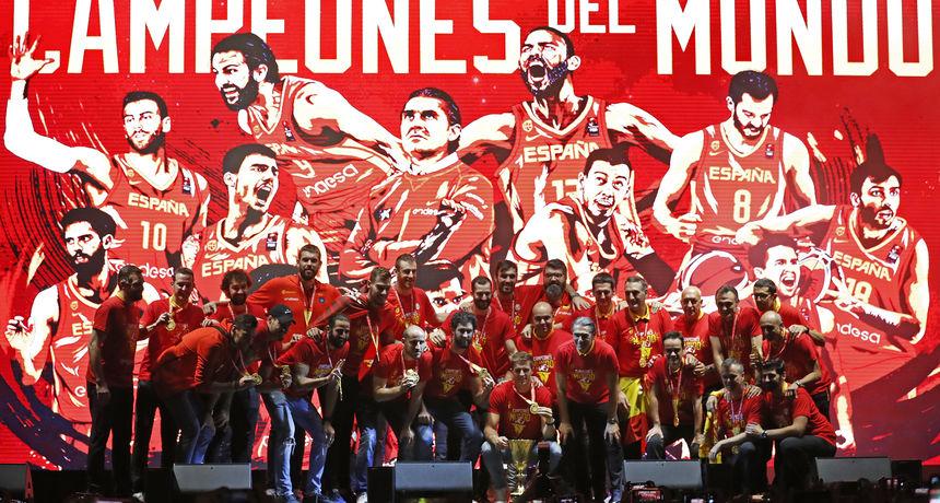 FOTO Svjetske prvake Španjolce u Madridu dočekalo nekoliko tisuća razdraganih navijača