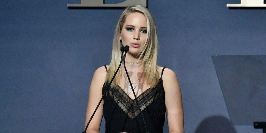 Jennifer Lawrence o poniženju koje je doživjela na početku karijere: 'Stajale smo gole jedna do druge'