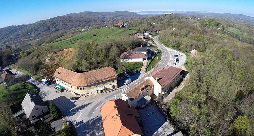 Hrvatske ceste pozivaju vlasnike zemljišta uz državnu cestu D-6 u Žakanju, Ribniku i Netretiću - projektira se obnova cijele dionice