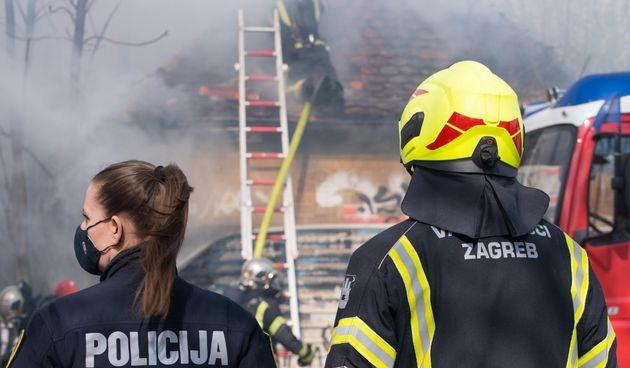 Požar u Zagrebu: Dvojica vatrogasaca ozlijeđena, a promet je bio zatvoren