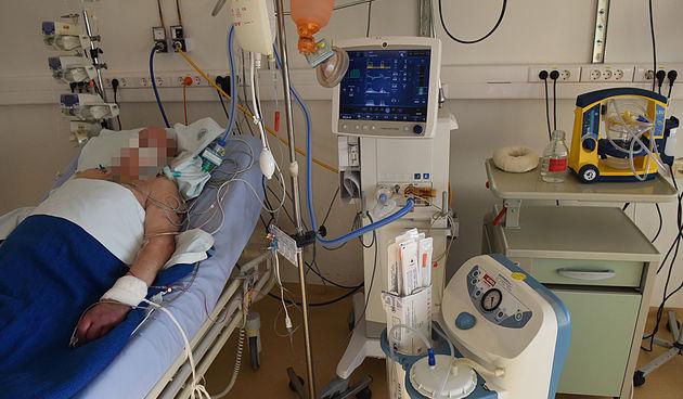 U Karlovačkoj županiji od jučer šestero preminulih od posljedica koronavirusa, zaraženo još 82 ljudi - u bolnicama 98 COVID pozitivnih pacijenata