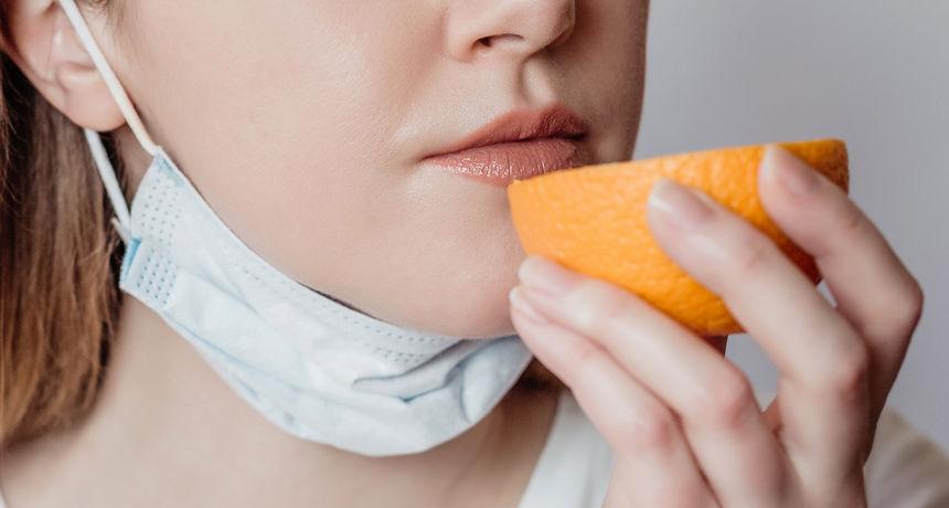 Vitamin A mogao bi pomoći u liječenju jednog od najčešćih simptoma covida