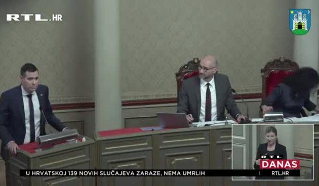 Uhićenja, stečajni plan Gredelja, smanjenje plaća, imenovanja - ove su teme bile na Skupštini: Zaiskrilo između Tomaševića i HDZ-ovaca (thumbnail)