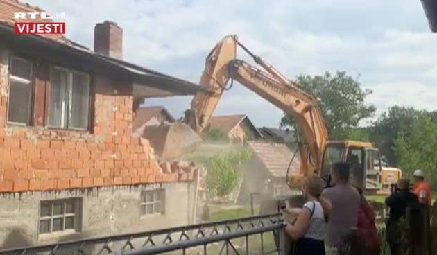 Rušenje prve kuće u Zagrebu oštećene u potresu (thumbnail)