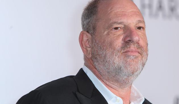 Harvey Weinstein u središtu međunarodnog skandala: Jedan od najpoznatijih i najmoćnijih holivudskih producenata, Harvey Weinstein, prvo je ime na, ispostavit će se, dugoj listi muškaraca u Hollywoodu optuženih za seksualno zlostavljanje žena. Oscarom nagr