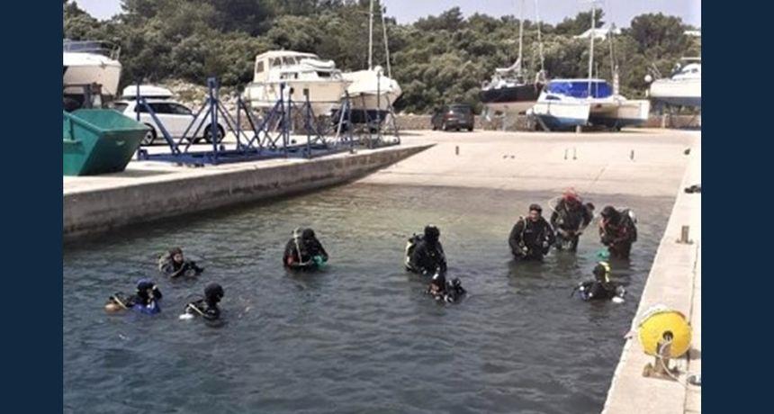 U Šimunima na Pagu održana akcija čišćenja podmorja