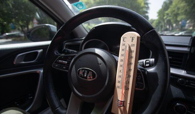 automobil na vrućini