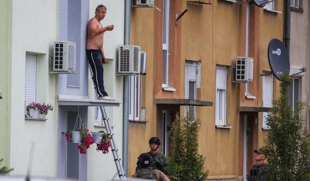Talačka kriza u Krapinskom naselju