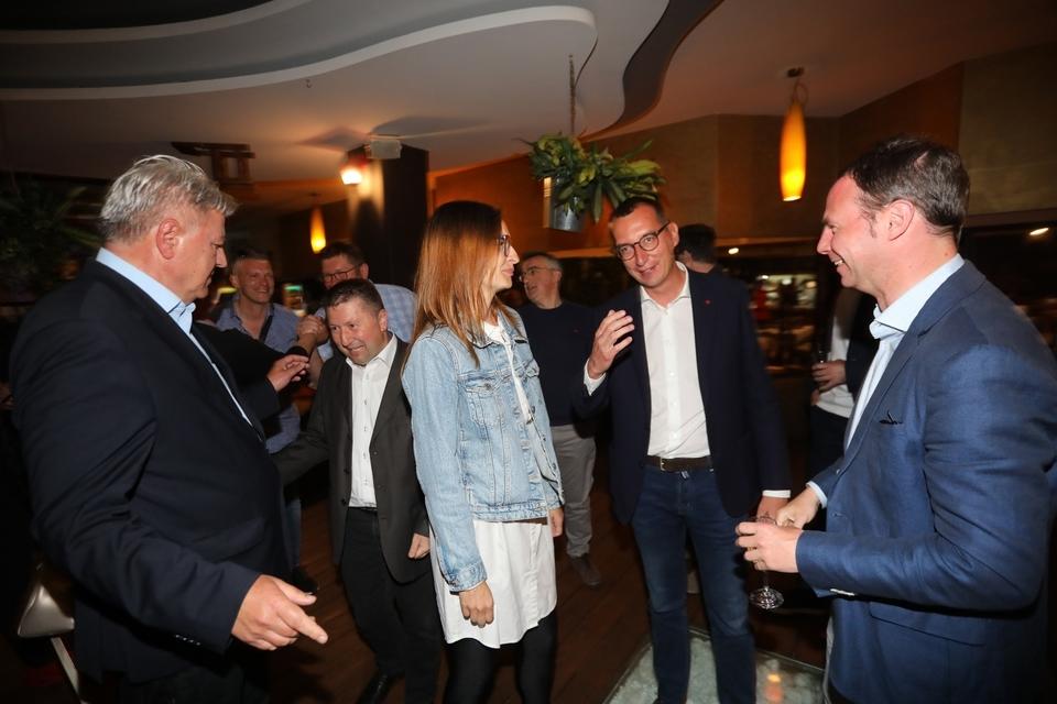 FOTO - Pobjednička zabava u stožeru Marka Filipovića i Zlatka Komadine