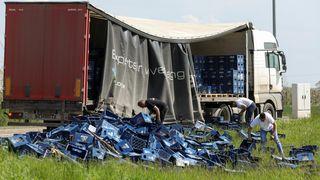 Kamion koji je prevozio pive ostao bez dijela svog tereta