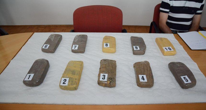 Policijska akcija u Splitu: Kod muškarca pronašli više od 4 kilograma heroina i veću količinu novca