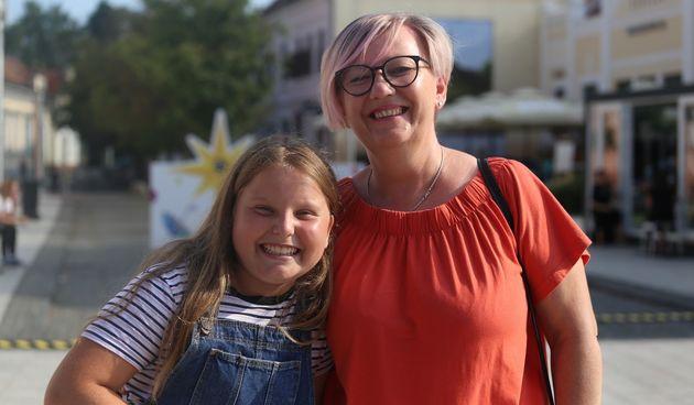 NAJOSMIJEH PORCIJUNKULOVA Ena Petković i Nevenka Trstenjak osvojile mobitel i poklon paket