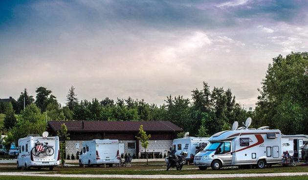 U kampu Slapić brojni njemački, austrijski i domaći gosti – Vlasnik Ivan Mataković zadovoljan trenutnom situacijom, očekuje uskoro Nizozemce i Skandinavce