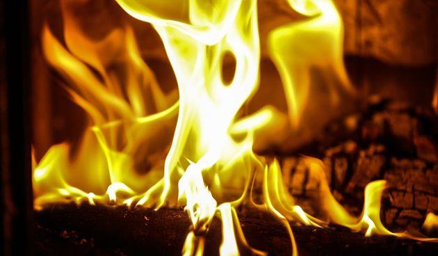 Preminuo muškarac kojeg je 25-godišnjak nakon svađe pokušao živog spaliti u garaži