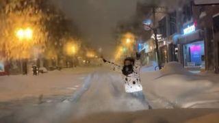 Muškarci iz Srbije snowboardali ulicama Chicaga, policajac ih pitao: 'Jeste li normalni?'