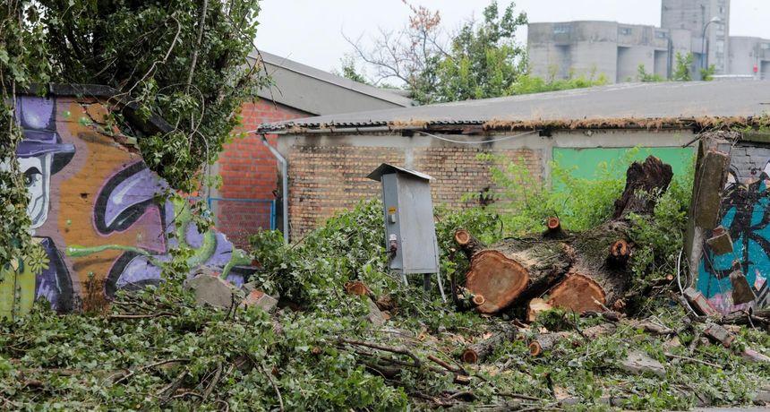 FOTO Još su vidljive štete koje je napravilo olujno nevrijeme koje je za vikend pogodilo Osijek