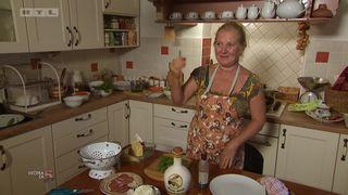 VIDEO - Domaćica je zadovoljna svojim kuhanjem pa je nazdravila rakijicom! (thumbnail)