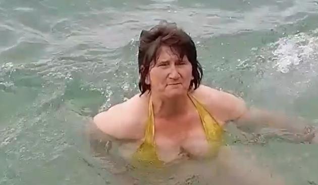 Kupa se u moru i vježba po kiši: Ljubinka još jednom pokazala da je žena zmaj!