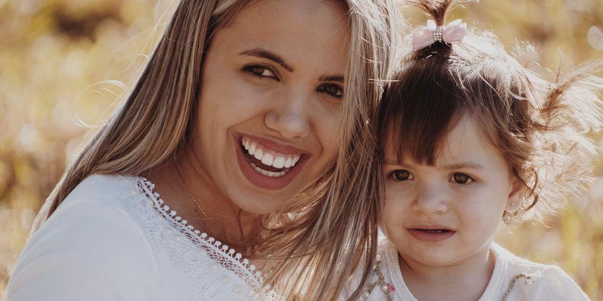 Holistički pristup za sretnu mamu: Majčinstvo bez očaja i frustracija