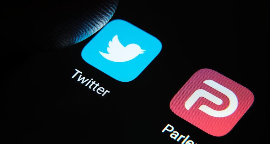 Twitter je zatvorio profile koji su prenosili poruke Trumpa koji je doživotno izbačen s platforme