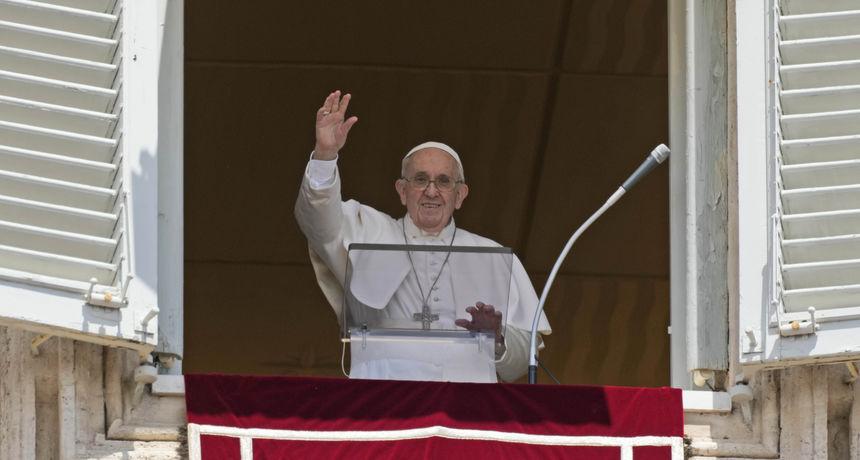 Papa Franjo u prvom obraćanju nakon liječenja: 'Naučimo kako napraviti pauzu i isključiti mobitel'