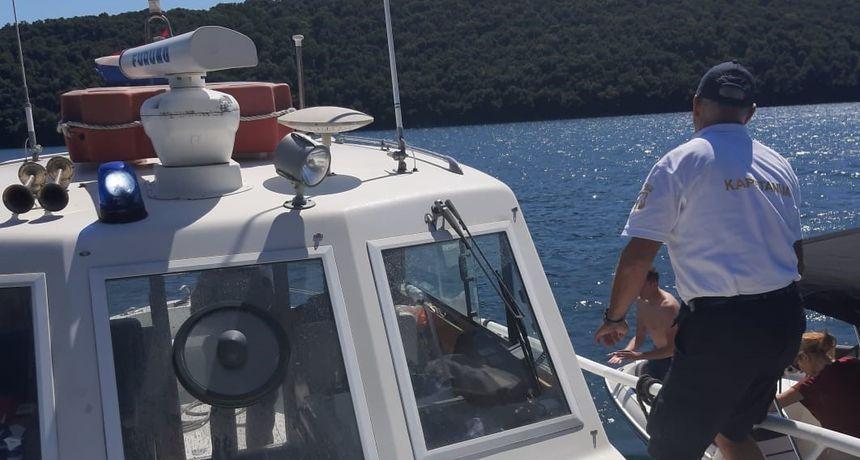 Zatečeni kako plovilima glisiraju u blizini obale