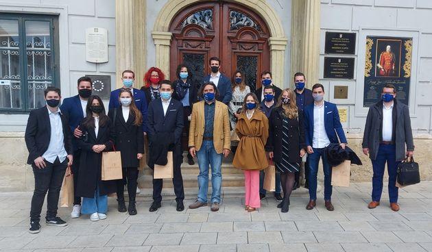 Savjet mladih Zagreba i Varaždina na prijemu kod gradonačelnika Ivana Čehoka