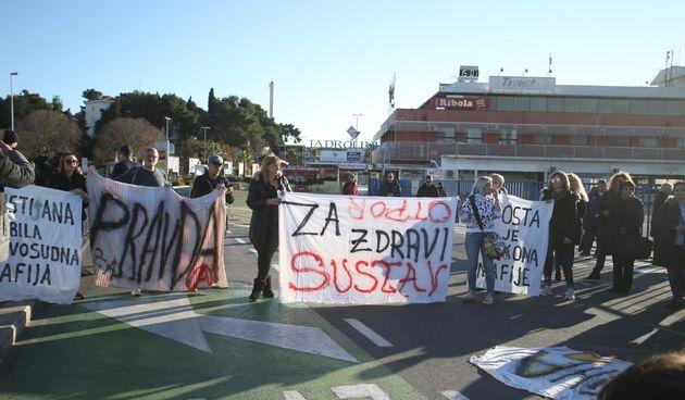 Mimohod 'Otpor sustavu' u Splitu