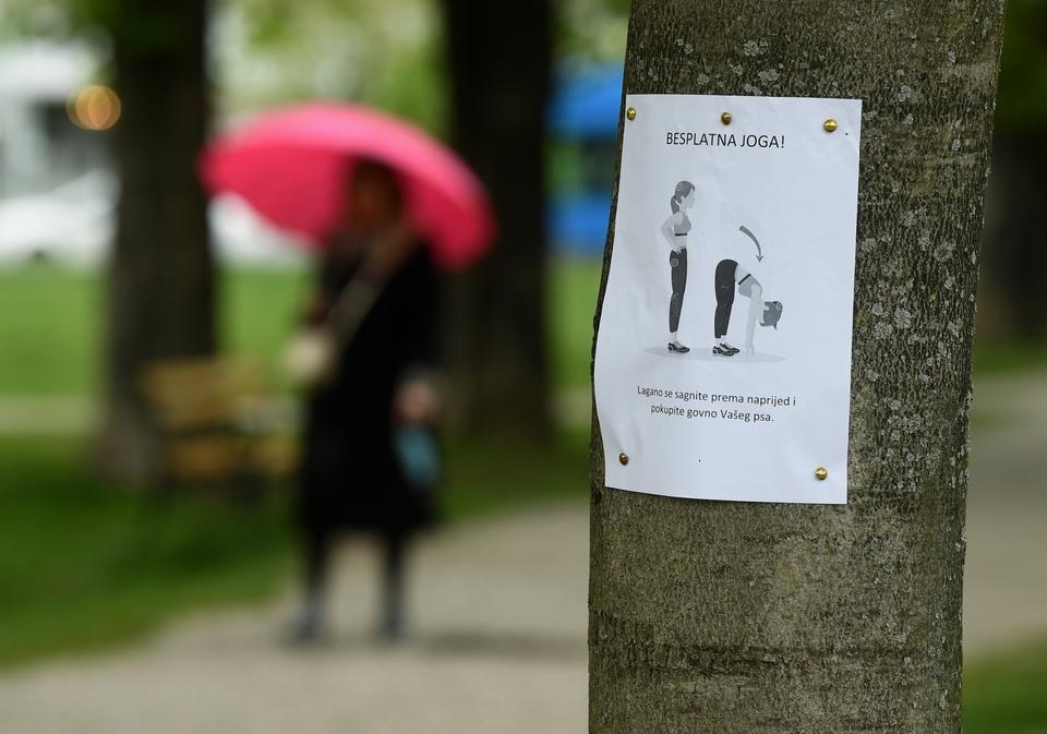 Učenje kroz šalu: Netko u Zagrebu pokušava sugrađane natjerati da 'skupljaju' za svojim ljubimcima