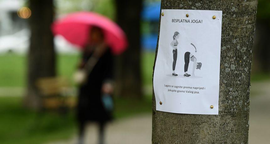 FOTO Učenje kroz šalu: Netko u Zagrebu pokušava sugrađane natjerati da 'skupljaju' za svojim ljubimcima