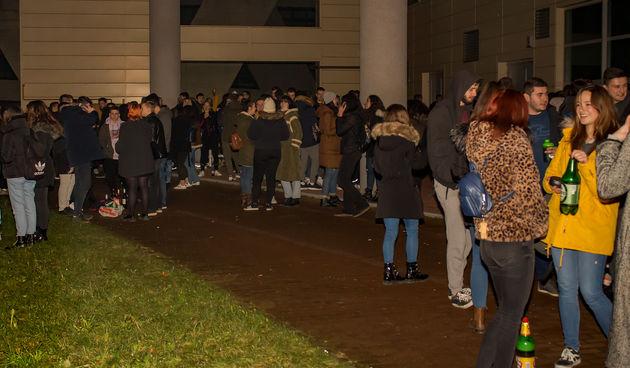 studenti party kampus