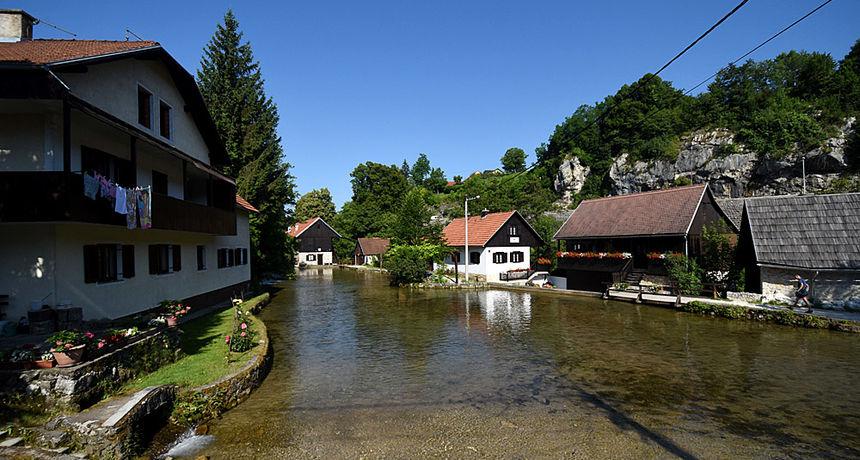 Karlovačka županija ostvarila pola milijuna turističkih noćenja - polmilijunti turist zanoćio