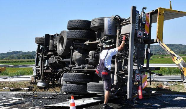Sudar kamiona na autocesti A3