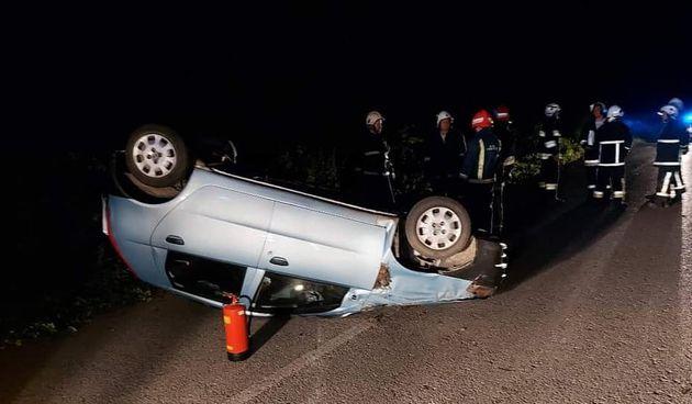 Popio i krenuo voziti. Prevrnuo se na krov