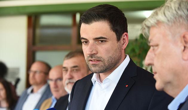 Davor Bernardić dao ostavku zbog teškog poraza na izborima!
