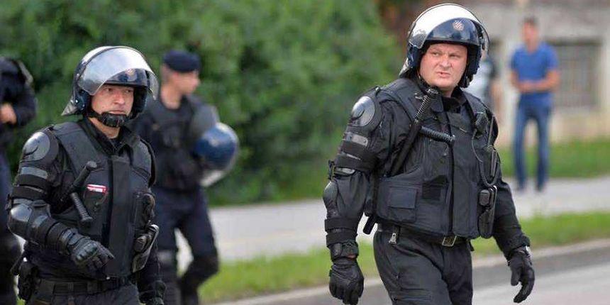 VIDEO Tučnjava navijača u Zagrebačkoj, policija pendrecima spriječila veći sukob
